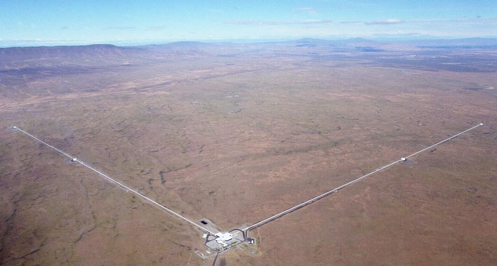 วัดคลื่นความโน้มถ่วงที่ขีดสุดทางควอนตัม: เมื่อความมืดยังสว่างเกินไป